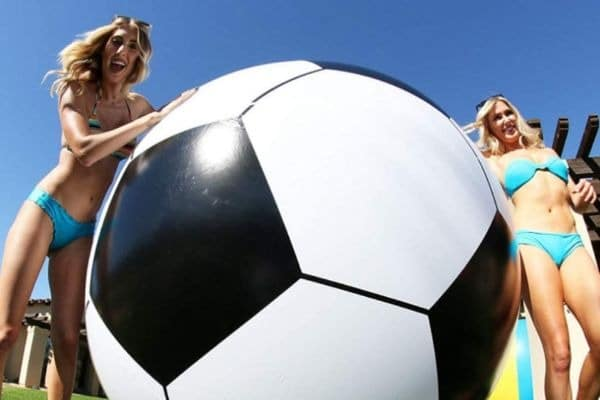 pelota hinchable (gigante) de fútbol