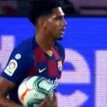"""""""Hay que ser muy desalmado"""". El debut de Ronald Araujo con el Barça acaba en expulsión"""