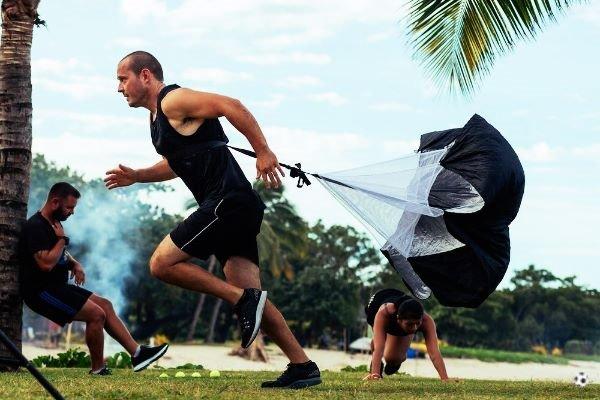 Paracaídas de carrera entreno fútbol
