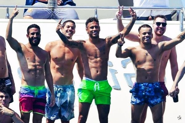Neymar amigos Toiss