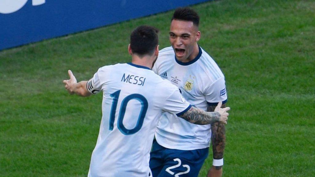 Leo Messi y Lautaro Martínez
